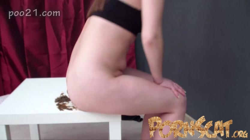 Milana Pooping in Panties With Farting - MilanaSmelly [HD / 2017]