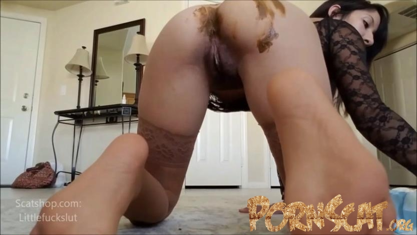 Filling a Diaper for My Baby Toilet with littlefuckslut [FullHD / 2019]