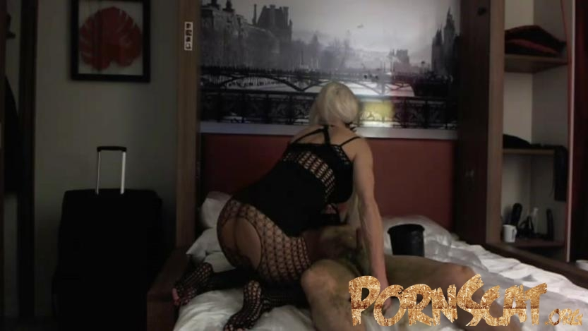 Exxxtreme Scat Pig in Paris Part 1 with Marlinda Branco [FullHD / 2019]