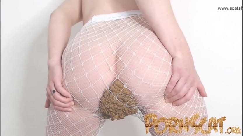 Pee Drinking and Pantyhose Poop with Spankmepink [FullHD / 2019]