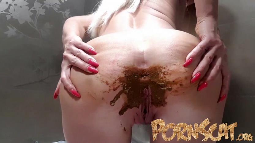 Naked Messy Poop with thefartbabes [FullHD / 2019]