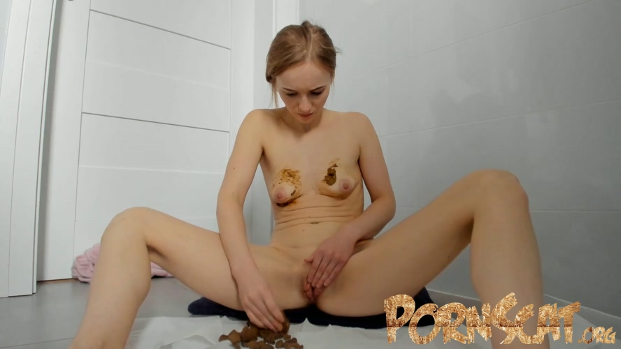 Poop in jeans and boobs smearing with LucyBelle  [FullHD / 2020]